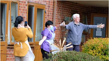 Coronavirus: Concert performed at care home to cheer up residents after 14 people die