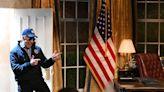 'SNL' serves up more Sen. Kyrsten Sinema jokes, courtesy of Jason Sudeikis and Michael Che