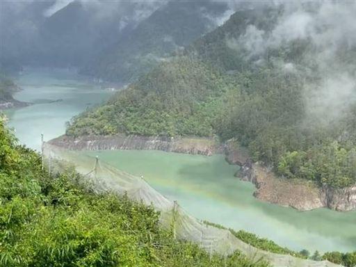 烟花暴風圈逼近 「彩虹」飄德基水庫、果農:下雨補好補滿