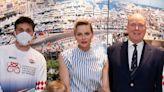 Charlene de Mónaco reafirma el gusto de las 'royals' por las zapatillas de plataforma