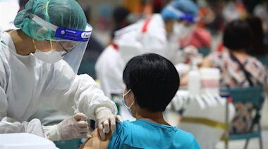 無健保卡外籍人士開放疫苗意願登記 中港澳也可填