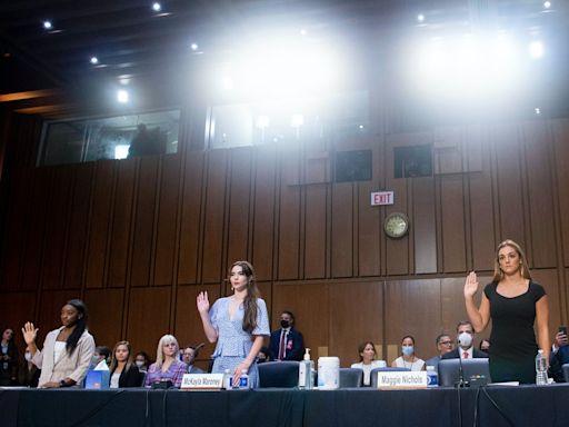 美國女子體操名將出席隊醫性侵案聽證會,控訴FBI息事寧人、該被聯邦司法機構調查起訴 - The News Lens 關鍵評論網