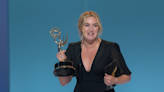 凱特溫斯蕾 《東城奇案(線上看)》奪本屆艾美獎視后
