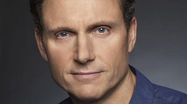 'King Richard': Tony Goldwyn Stepping In For Liev Schreiber In Will Smith Pic About Williams Sisters' Father