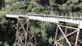 Joven murió mientras practicaba bungee jumping: saltó al vacío sin cuerda