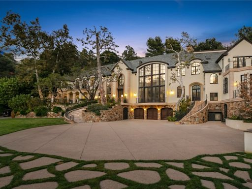 Gene Simmons seeks $22 million for Beverly Hills mansion
