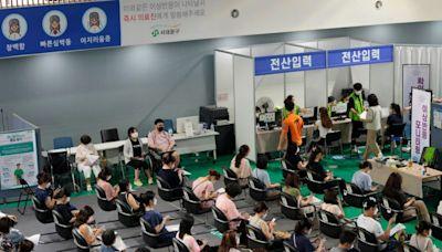 僅3天!韓通報逾萬起疫苗不良反應