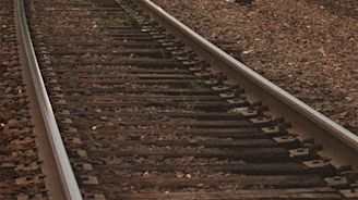 Man on tractor fatally hit by train after replanting corn in Monroe County