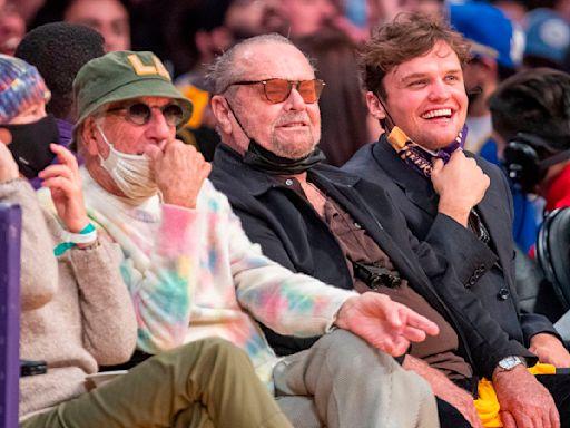 Jack Nicholson ha vuelto: tras más de un año de ausencia, fue visto en un partido de Los Angeles Lakers