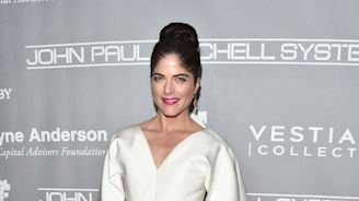 Selma Blair gets emotional about struggles with MS: 'I choke with the pain of what I have lost'