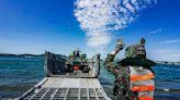 防疫不忘戰備/美圖!陸戰隊偕海軍LCM演練輪車裝載涉水登陸