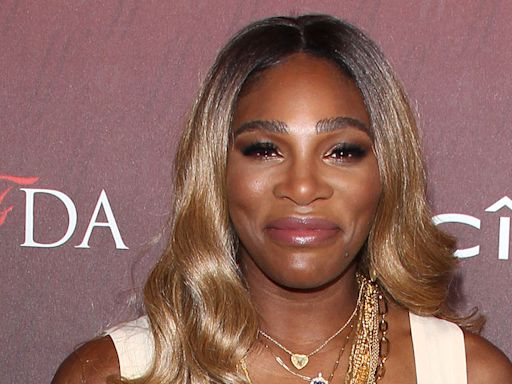 Serena Williams Glows in the Brightest Slime Green Suit & Hot Pink Pumps