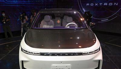 鴻海電動車展現製造硬實力 下一步攻軟體平台