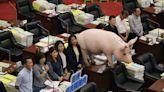 藍議員輪番質詢萊豬100分鐘 陳其邁:絕對負市長的責任