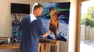 Guy Creates Oil Painting of Dog Using Fingers
