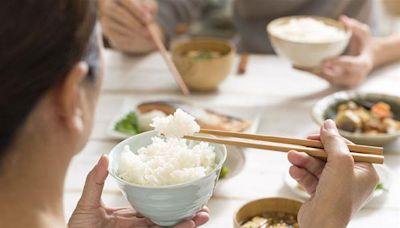 遠離肌少症怎麼吃?營養師:危肌四服,補充維生素D、優良蛋白質