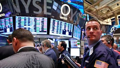 U.S. stocks mixed at close of trade; Dow Jones Industrial Average down 0.92%