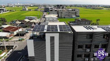 疫情嚴峻、缺水缺電危機 宜蘭民宿業者裝設太陽能板貢獻一己之力