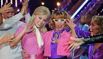 Watch JoJo Siwa and Jenna Johnson land the first perfect score on this season of 'Dancing With the Stars' with a soulful foxtrot