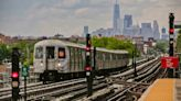 De Blasio says he's comfortable with 24/7 subway service returning