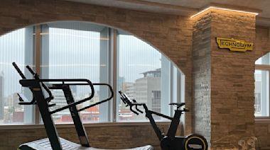 義大利頂級健身器材旗艦門市盛大開幕 台灣飛人陳信安出席