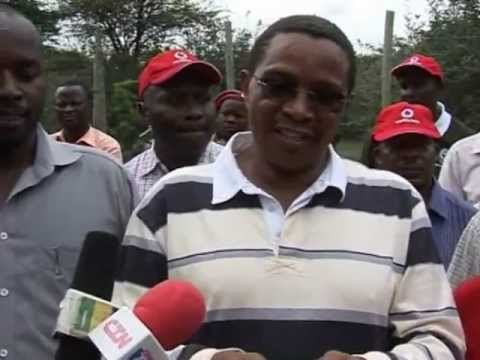 Kikwete officiates the release of second pack of 15 wild dogs ...