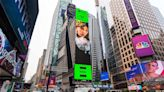金曲歌后魏如萱接棒aMEI登紐約時代廣場 喊話粉絲拍照打卡