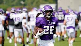 Vikings make corresponding roster moves