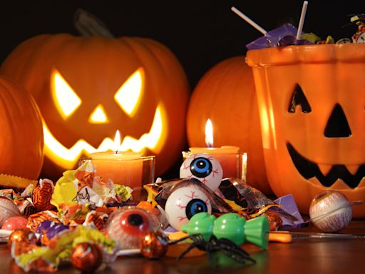 The Best Places To Buy Halloween Candy Online So You Don't Disappoint the Trick-or-Treaters