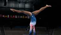 Simone Biles sticks landing in balance beam at Olympics