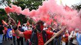 民眾上街抗議燃油飆漲、毒品走私與暴力猖獗,厄瓜多宣布全國進入60天緊急狀態 - The News Lens 關鍵評論網