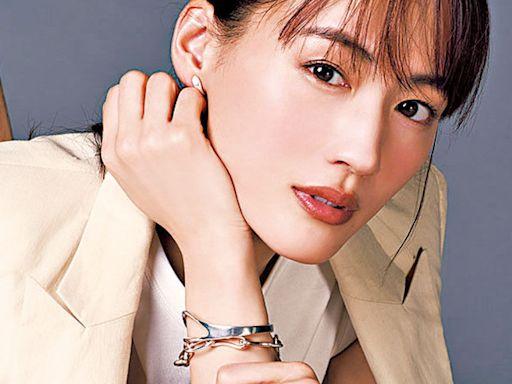 綾瀨遙三度封視后 - 今日娛樂新聞 | 香港即時娛樂報道 | 最新娛樂消息 - am730