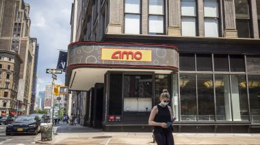 NY Gov. Andrew Cuomo Gives Greenlight To New York City Cinema Reopening March 5 At Reduced Capacity