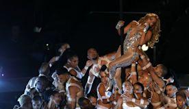 Jennifer Lopez Shows Pole Dance Skill During Super Bowl Halftime