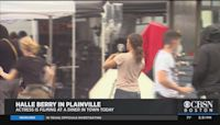 Halle Berry Filming Movie At Plainville Diner