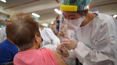 桃園疫情|疫苗高齡一階施打率71% 明起二階79到80歲開打 | 蘋果新聞網 | 蘋果日報
