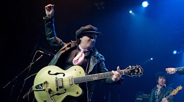 Sylvain Sylvain, guitarist for the New York Dolls, dies at 69