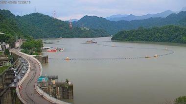 二級警戒》可遊湖了!石門水庫放寬入園管制 遊艇恢復營業