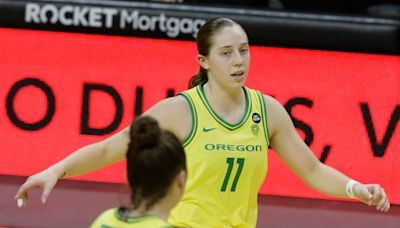 Ducks women's basketball guard Taylor Mikesell enters transfer portal