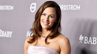 Jennifer Garner Talks Harrowing Impact the Paparazzi Has Had on Her Life and Kids