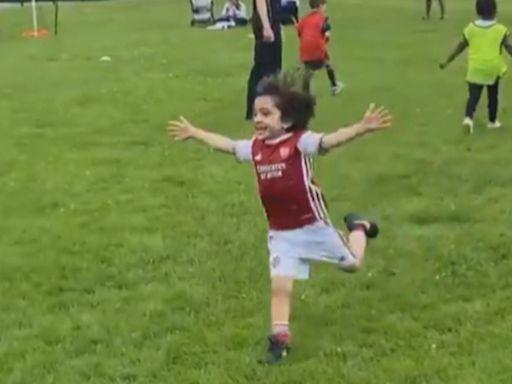英國五歲「小美斯」球技非凡 傳獲阿仙奴招手