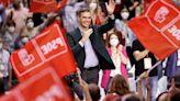 Sánchez abraza el credo de la socialdemocracia y estrena un PSOE sin apellidos ni familias