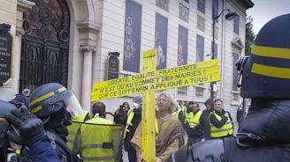 Policier violent contre des «gilets jaunes» à Toulon: «C'est un caractériel», assure un de ses anciens collègues