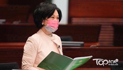 【疫苗接種】葉劉透露打第三針後一個月抗體指數逾1.7萬 沒有任何副作用 - 香港經濟日報 - TOPick - 新聞 - 社會