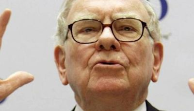 Warren Buffett is holding these stocks for monstrous free cash flow — why you should too