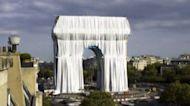 """L'Arco di Trionfo """"impacchettato"""", l'opera postuma di Christo"""