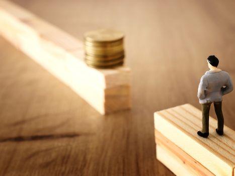 高股息太誘人?「家人跟銀行借款200萬買0056想存股息,我該阻止嗎?」