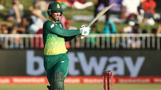 Van der Dussen leads South Africa to series-levelling victory