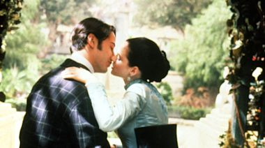 Winona Ryder says Francis Ford Coppola asked Keanu Reeves to verbally abuse her on 'Dracula' set, but he refused