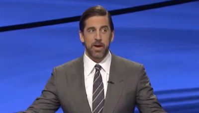 Aaron Rodgers had another great moment on 'Jeopardy!' and is making a strong case to become the permanent host